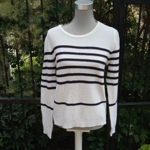 Cupcakes & Cashmere sweater size S/M